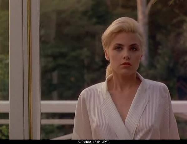 Лучшие 10 эротических сцен в кино-two-moon-junction-6.jpg