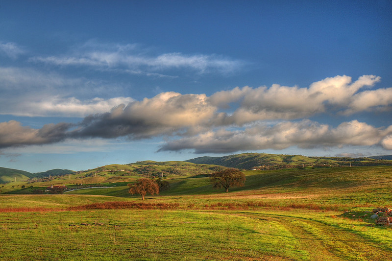 hills.jpg (144.7 KB, )