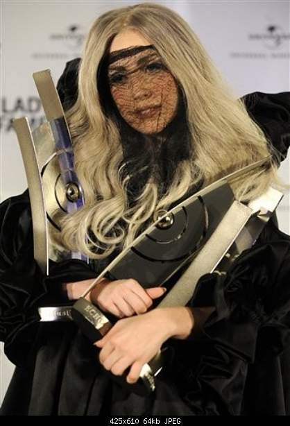 Music Awards 2010-gaga.jpg