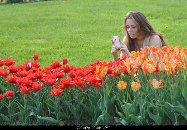 Девушки и цветы-1099927.jpg