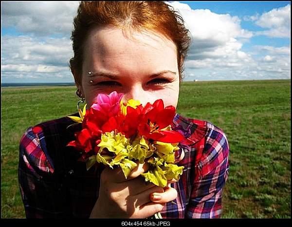 Девушки и цветы-x_6570c759.jpg