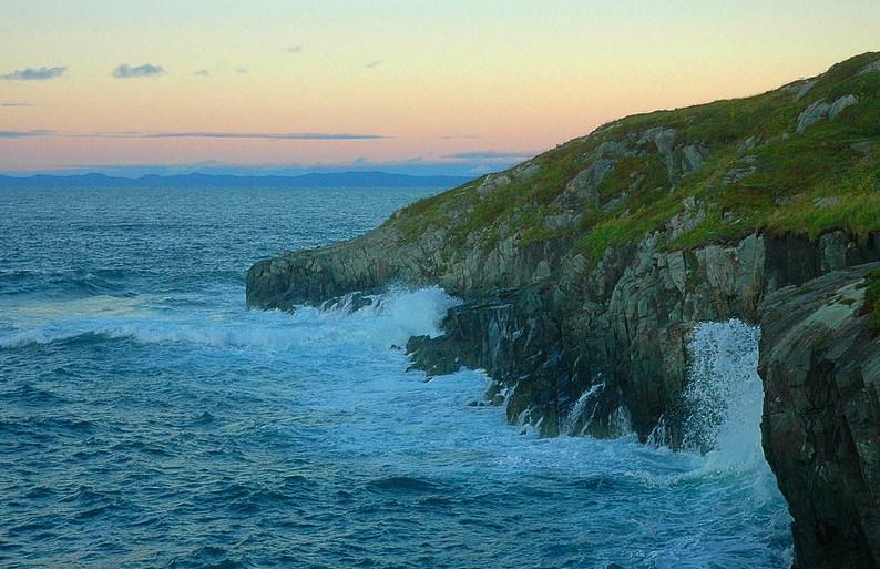 waves.jpg (146.8 KB, )