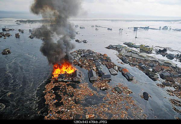 Два мощных землетрясения в Японии-sendai-houses-tsunami.jpg