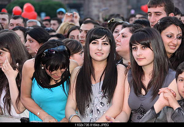 hayer / armenians-5747546608_84a87f235c_oarm.jpg