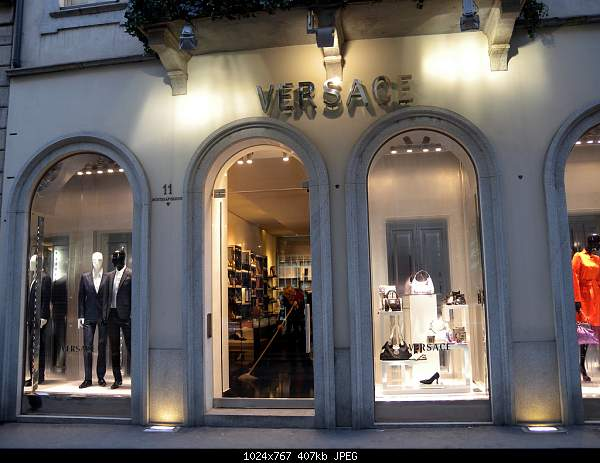 Versace-3183385855_204f870a74_b.jpg